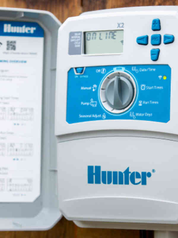 This online-capable controller offers rapid schedule programming and advanced water-saving features.